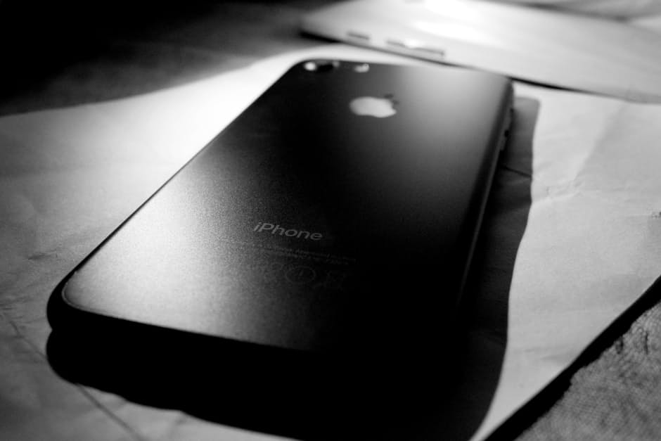 IS IT WORTH TO BUY IPHONE7?